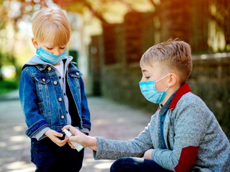انواع مختلف ضدعفونی کننده دست کودکان