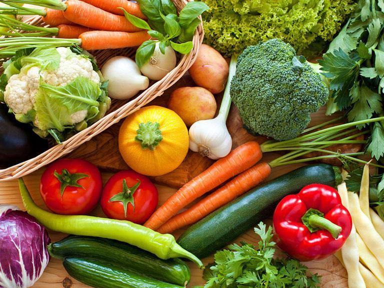 مصرف سبزیجات برای رفع یبوست