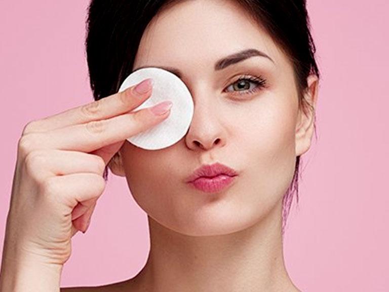 محلول پاک کننده آرایش لورال