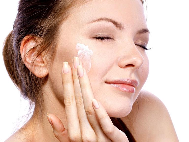 انتخاب مرطوب کننده برای پوست خشک