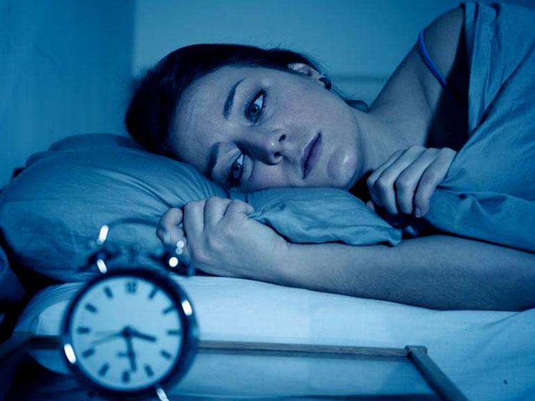 علل بی خوابی شبانه